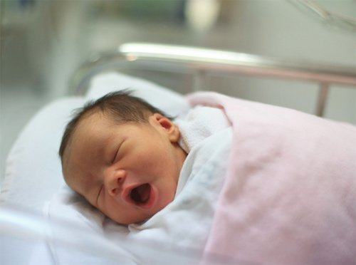 Bảng thời gian ngủ của trẻ sơ sinh